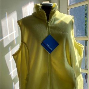 NWT Columbia yellow fleece vest, Sz 2X